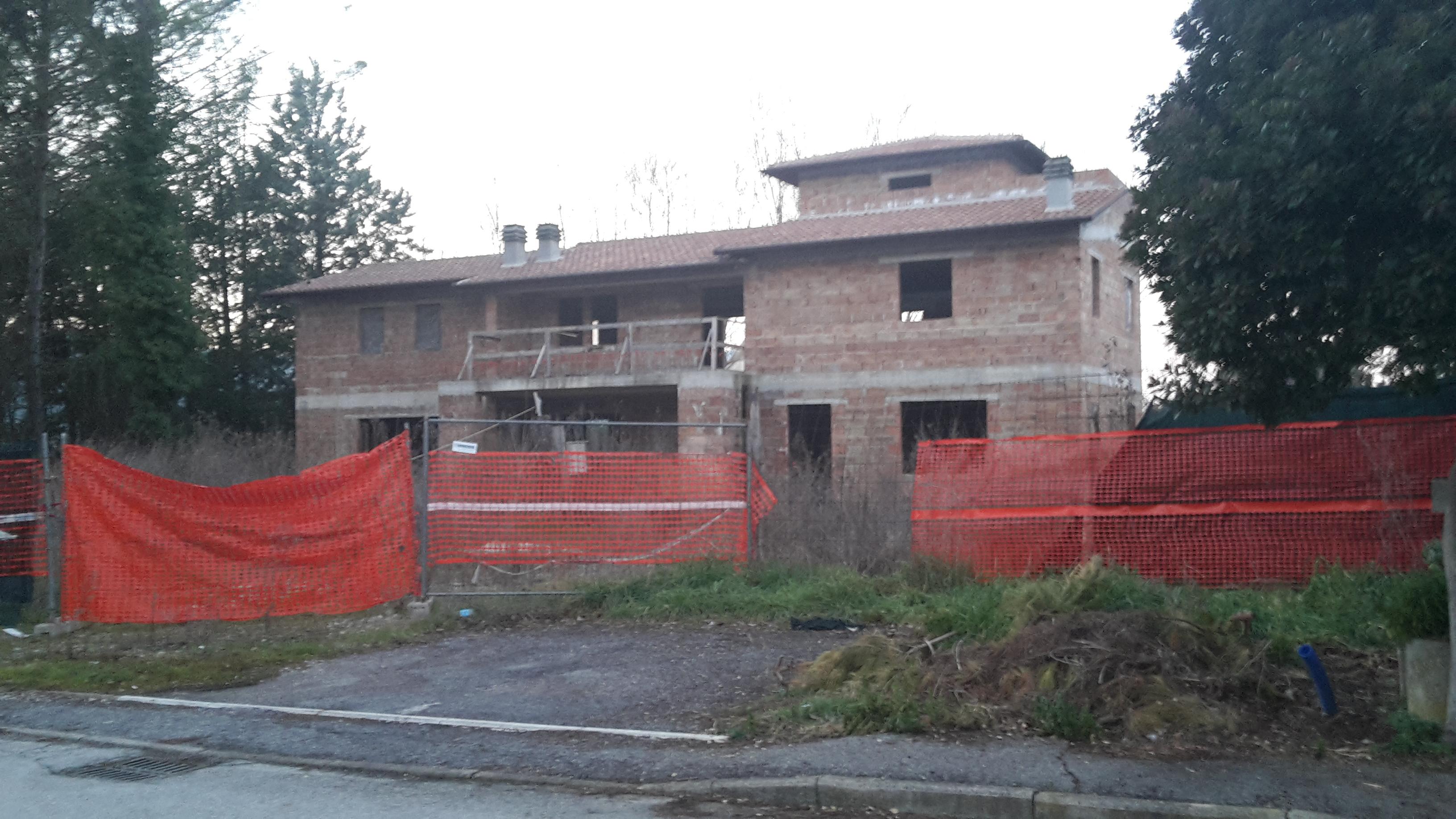 Perugia localit tavernacce studio immobiliare strati for Studio arredo perugia